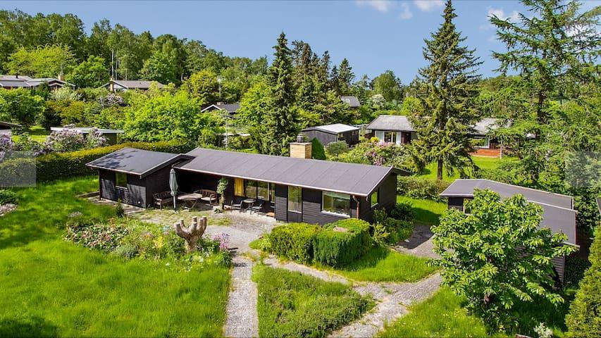 Cosy summerhouse, all year-round use - Frederiksværk - Zomerhuis/Cottage