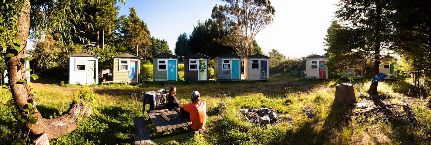 Cozy & Private Mini Hut on a farm ! - Turangi - Choza