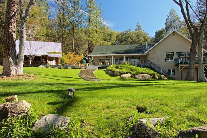 Yosemite's Ponderosa Pines - Oakhurst - Huis