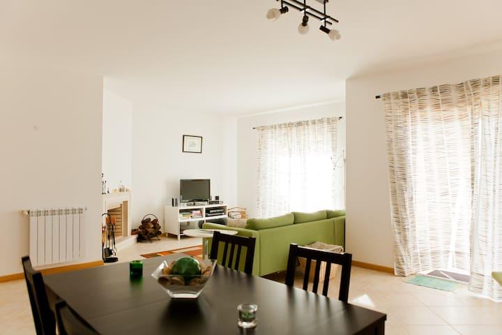 Beach apartment in Ericeira - Mafra National Palace - Leilighet