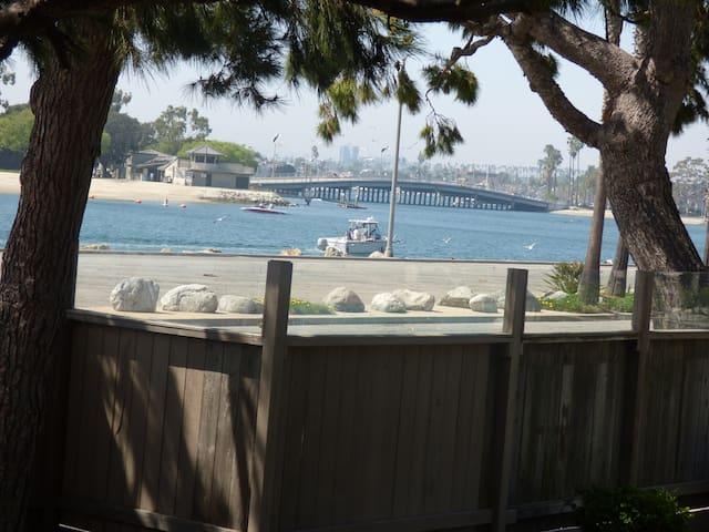 Marina Pacifica, breathtaking view of the beach - Long Beach - Appartement en résidence