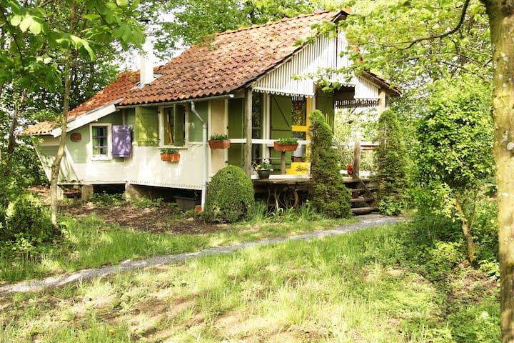 Knus en sfeervol kabouterhuisje - Landouzy-la-Ville - Stuga