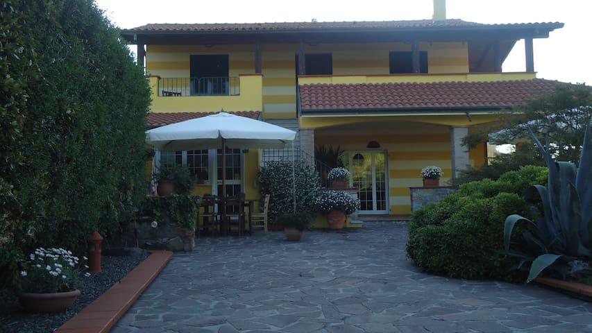 Chalet in strategic area - Vezzano Ligure - 別荘