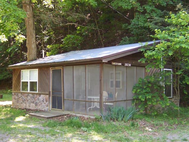 Creekside Cottage - Bergton - Бунгало