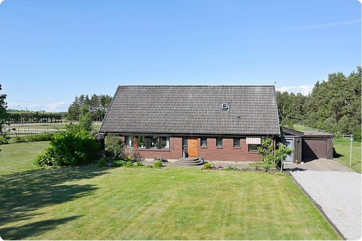 Large Home in the Peaceful Swedish Countryside - Flyinge
