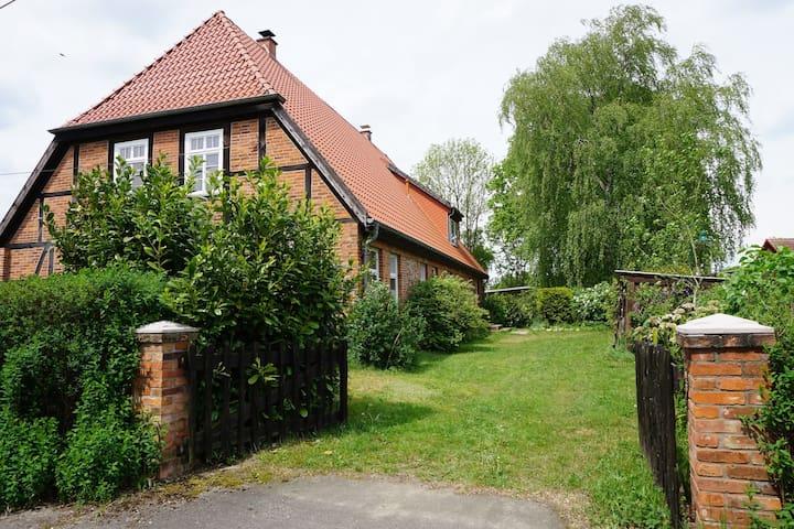Atelierwohnung im Fachwerkhaus - Alt Krenzlin - Ev