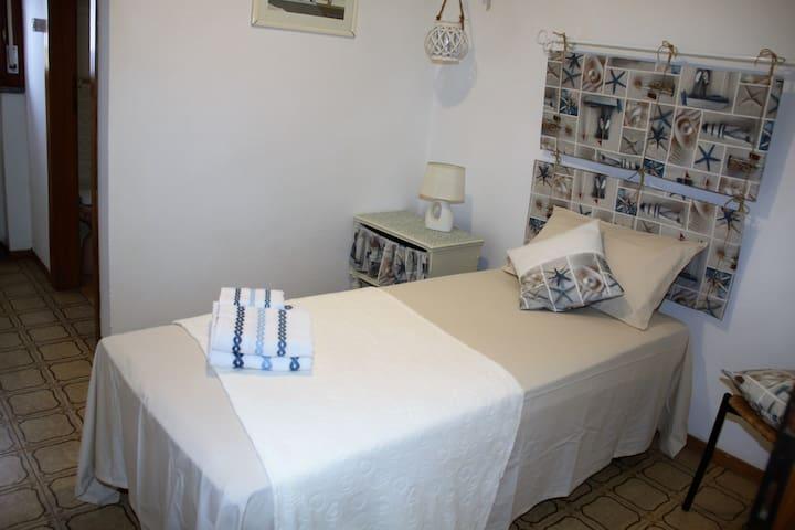 Camera singola con bagno in camera - Porto Garibaldi - Huis