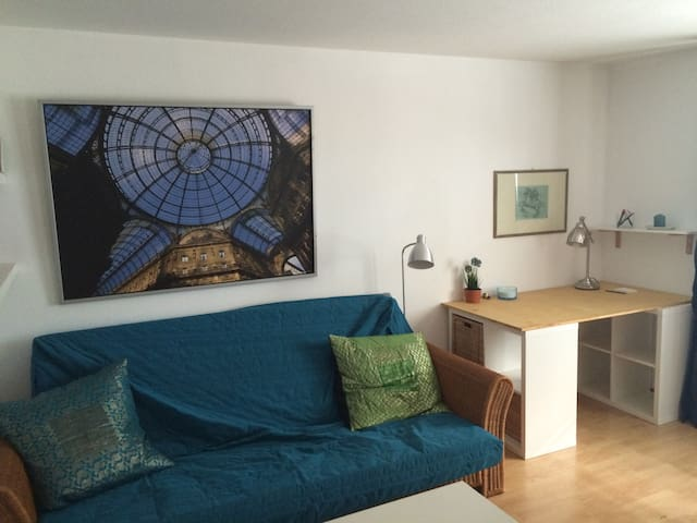Cosy 2 room flat at the main square - Greifswald - Lägenhet