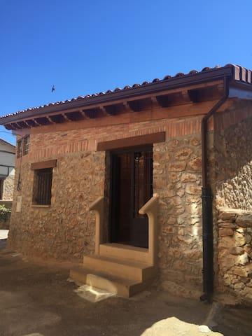 LOS CORRALES DE LA SIERRA - Pradillo - Ev