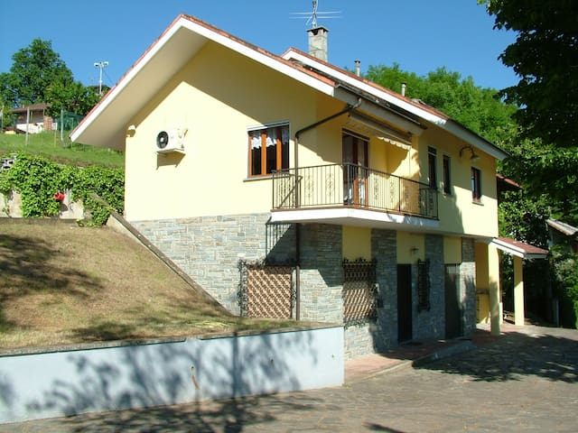 Villa with lovely view-countryside - Bagnasco
