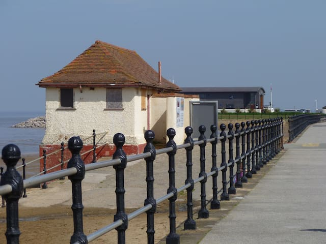 Peaceful and quiet room by the sea - Hoylake - Maison de ville