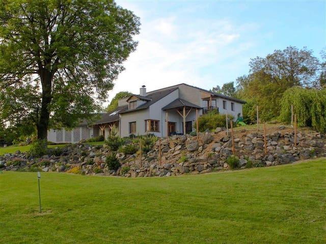 Summerhouse, 30km from Prague! (8) - Velké Popovice - Huis