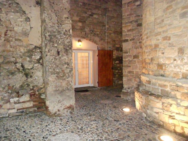 Apt Diano Castello, vicino al mare - Diano Castello