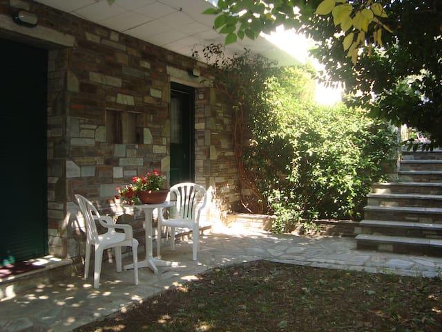 ILEANA's House - Volos - Huis