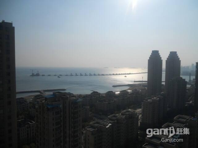复式海景大床房星海广场附近带阳台的复式海景房 - Dalian