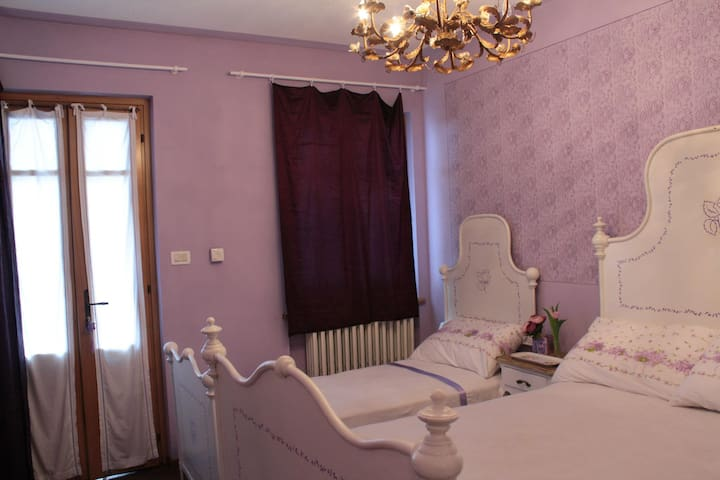 romantic room in front of the river - Coassolo - Bed & Breakfast