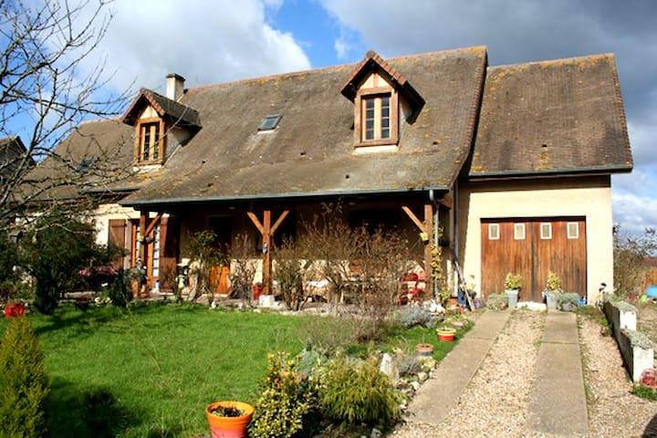 3 Belles chambres 10min de Giverny - Jeufosse - Casa