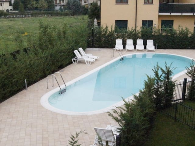 New flat near the lake with swimming pool - Peschiera del Garda - Apartamento