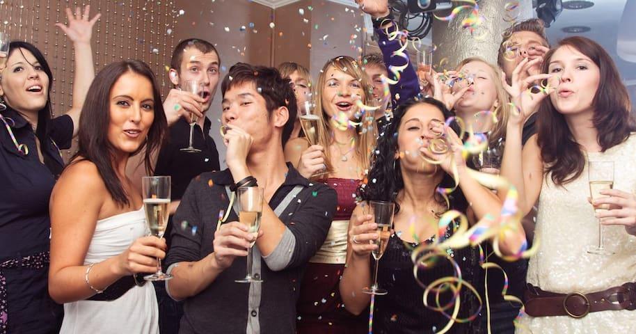 3 days 2 nights - New Years Eve Party - Resort - Moreton Island - Departamento