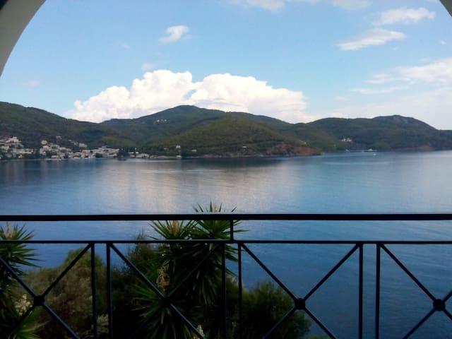 Eleana's Home Amazing Sky&Sea View - Poros - Hus