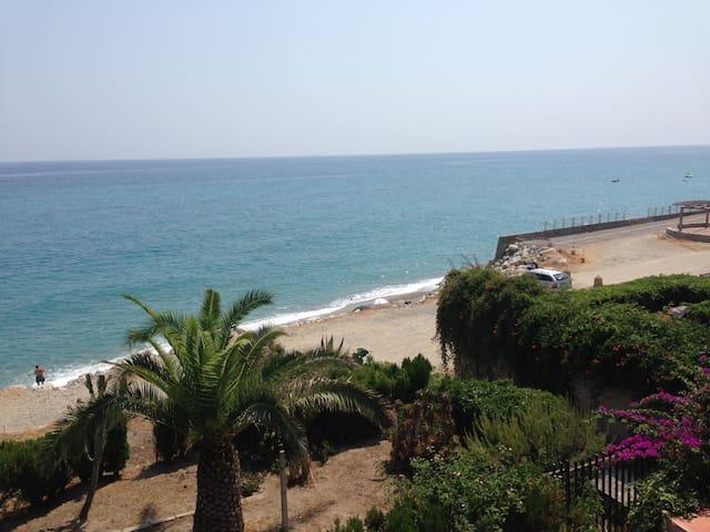 Calabria villa sul mare bellissima - Monasterace Marina - Дом