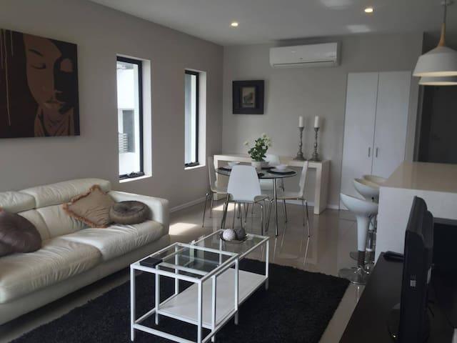 Modern 2 Bedroom Apartment in Cannon Hill - Cannon Hill - Apartamento