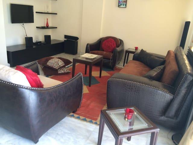 Calming and relaxing setup - Deir El Qamar - Hus