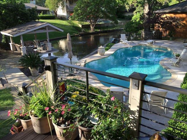 Resort Luxury Suite with Dallas Waterfront - Dallas - Casa