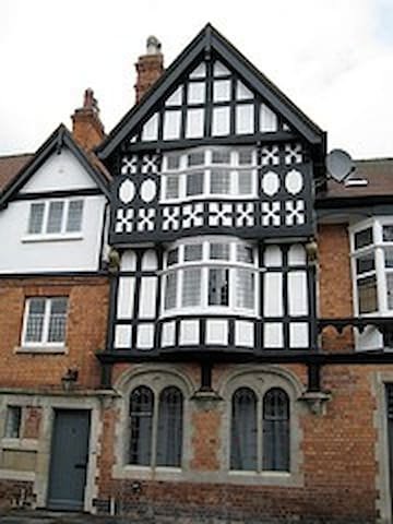 Lovely Bailgate Flat,  uphill,  close to Cathedral - Lincoln - Apartemen