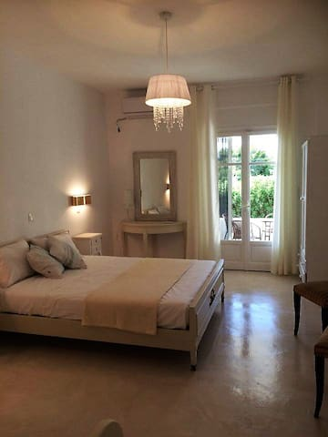 DAHLIA -APARTMENT FOR  3 PERSONS - Aliki - Bed & Breakfast