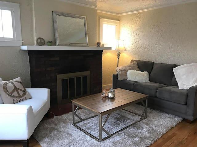 Super Comfortable 1 bedroom Apartment in Royal Oak - Royal Oak - Apartemen