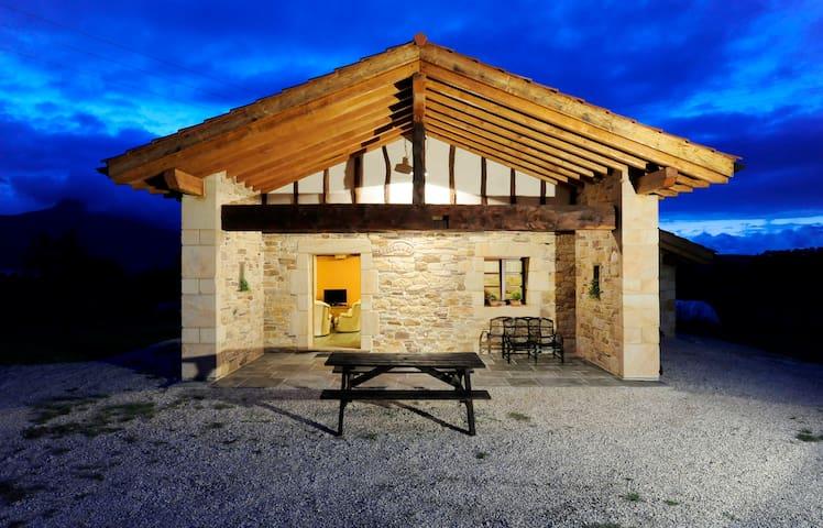 Villa Rural nueva en el campo - Sara - Villa