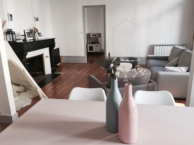 Superbe appartement en plein coeur de Bergerac - Bergerac - Departamento