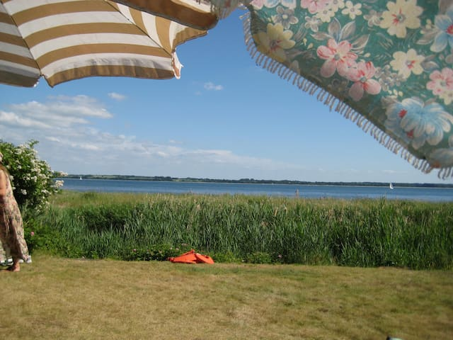 FerienHaus mit direktem Strandzugang - Waabs - Casa