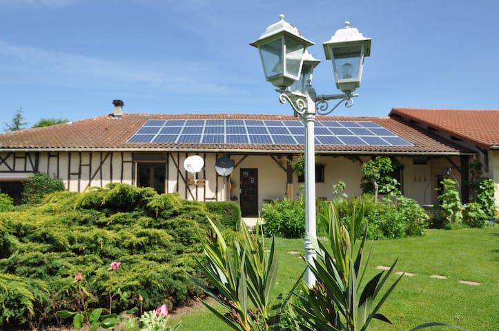 Charmante villa met subliem uitzicht! - Sère-Rustaing - Villa