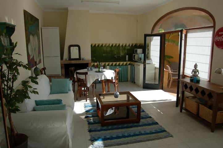 Cosy studio with pool - Rupià - Kulübe