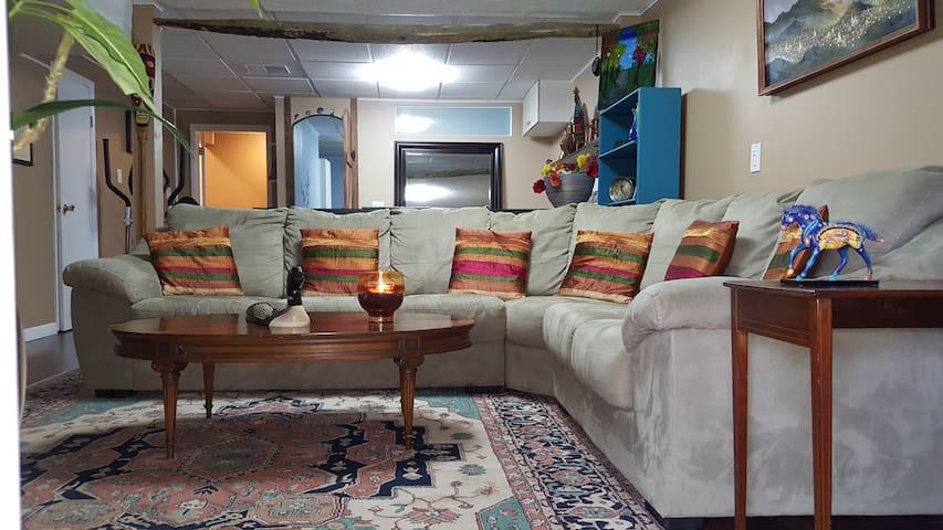 Quiet, spacious studio with beautiful view - Brewster - Selveierleilighet