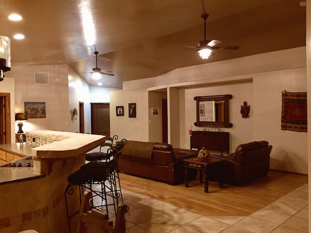 Friendly, Custom home. Elegant country living. - Chino Valley - Huis