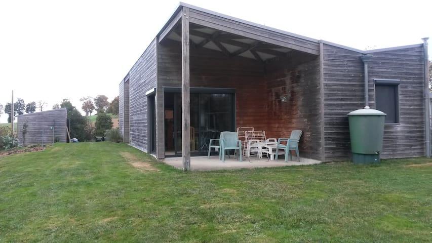 Maison en bois avec chambre ,lit double . - Trimer - Konukevi