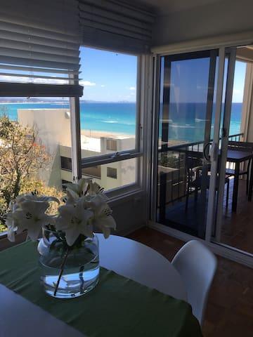 UNINTERRUPTED OCEAN VIEWS SLEEPS 4 - Coolangatta - Apartament