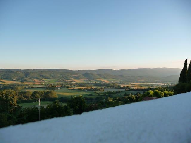 Maison en pierre vue Luberon - Reillanne - Stadswoning