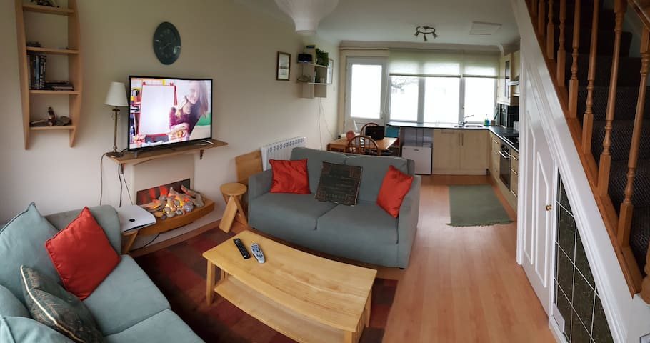 Modern 2 Bed Beachside Holiday Home - Freshwater East - Casa
