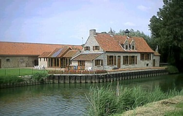 NICE COUNTRYHOUSE IN FURNES - Veurne