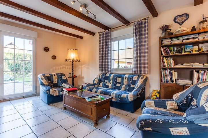 Family bed and breakfast room - Gerstheim - Bed & Breakfast