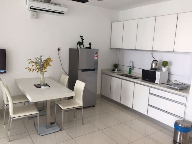 Cozy nice suite located in the Heart of Geogetown - George Town - Apartmen