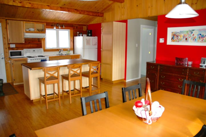 3 bdrm cottage in Eastern Townships - Mansonville - Maison