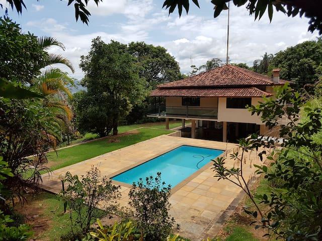 Maravilhoso Sitio com Vista para Serra da Piedade - Nova Lima