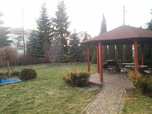 Cozy apartment w. nature/BBQ/sauna - Navariya - Haus