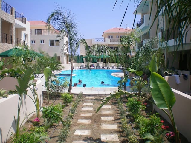 104 - Elegant 2 bed apartment with AC, pool & gym - Çite - Appartement