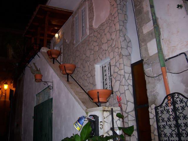 centro storico marino indipendente - Marino - Casa